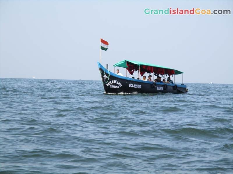 boat-trip-at-grand-island