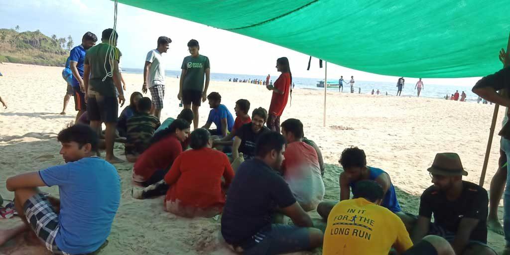 People-having-lunch,-Bat-Island-Trip-Goa